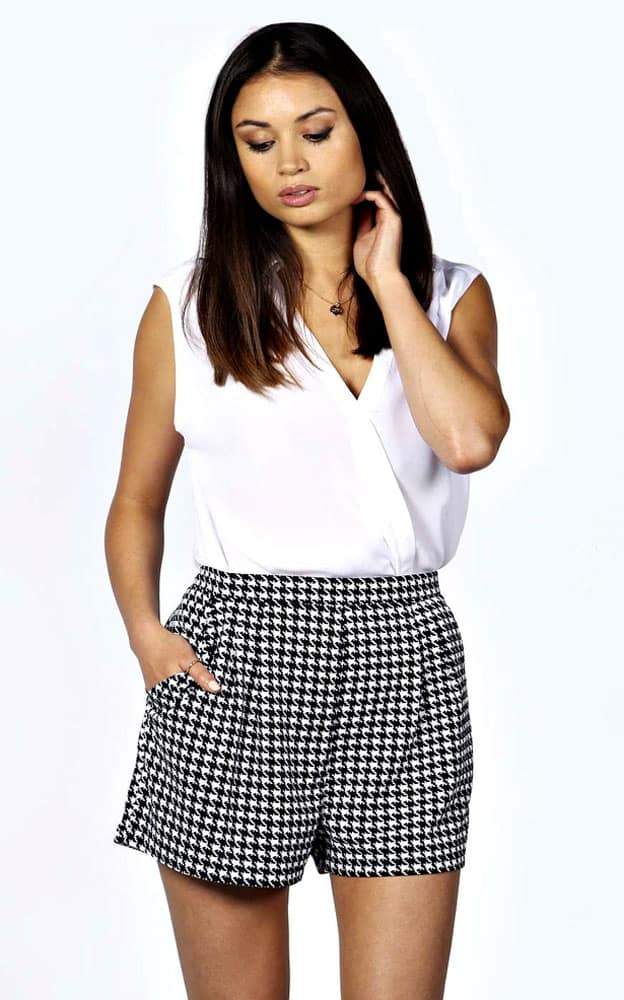 pleated shorts houndstooth